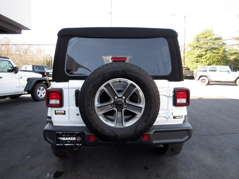 Used 2018 Jeep Wrangler Unlimited Sahara for sale $38,995 at Victory Lotus in Princeton NJ 08540 6