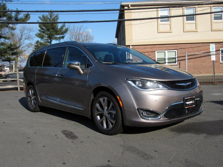 Used 2018 Chrysler Pacifica Limited for sale Sold at Victory Lotus in Princeton NJ 08540 2