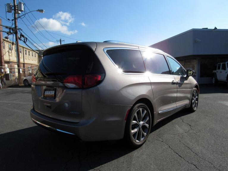 Used 2018 Chrysler Pacifica Limited for sale Sold at Victory Lotus in Princeton NJ 08540 7