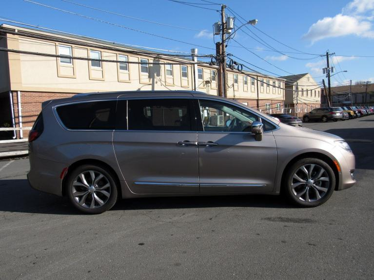 Used 2018 Chrysler Pacifica Limited for sale Sold at Victory Lotus in Princeton NJ 08540 8
