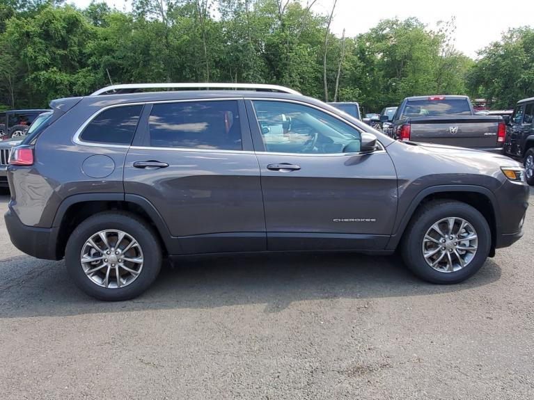 Used 2019 Jeep Cherokee Latitude Plus for sale Sold at Victory Lotus in Princeton NJ 08540 5