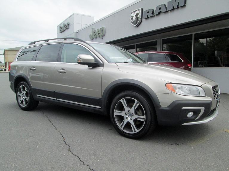 Used 2014 Volvo XC70 3.0L T6 for sale Sold at Victory Lotus in Princeton NJ 08540 2