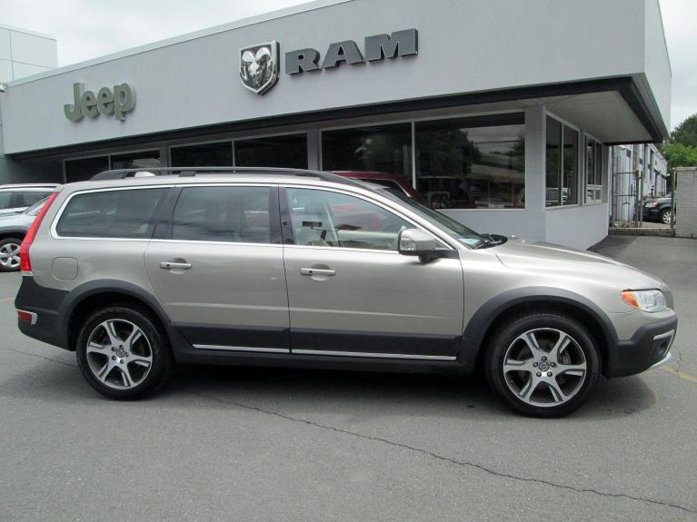 Used 2014 Volvo XC70 3.0L T6 for sale Sold at Victory Lotus in Princeton NJ 08540 8