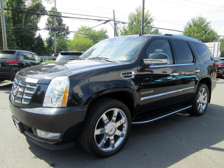 Used 2013 Cadillac Escalade Luxury for sale Sold at Victory Lotus in Princeton NJ 08540 4
